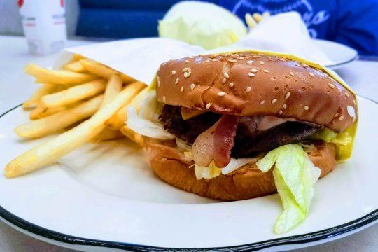Bacon Cheeseburger & fries