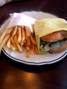 Yellow Basket - Cheeseburger combo
